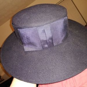 Michael Howard Georgi hat